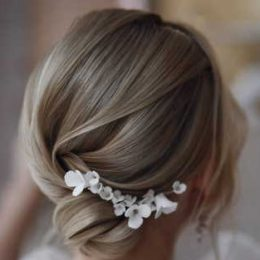 5 cute wedding updo for a short hair